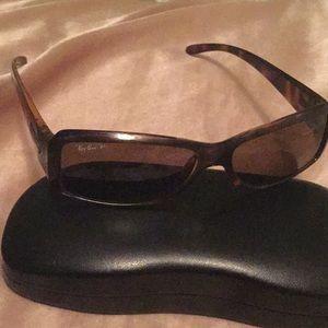 Sunglasses tortoises